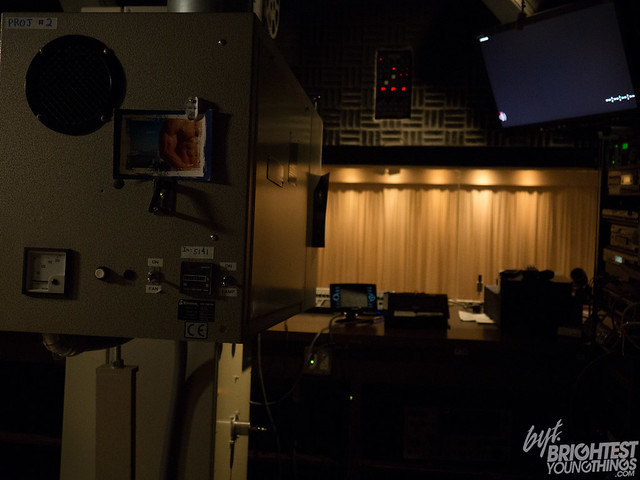 Projection-Room2