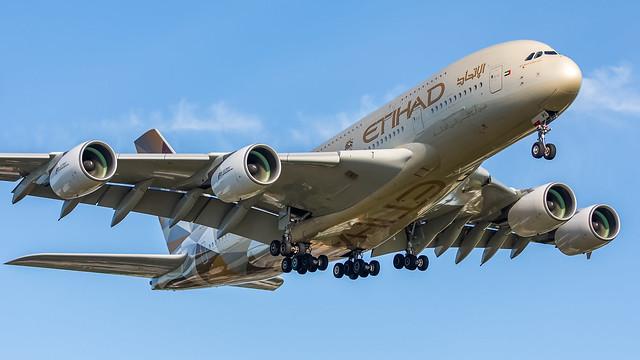 Etihad Airways A6-API pmb22-4106