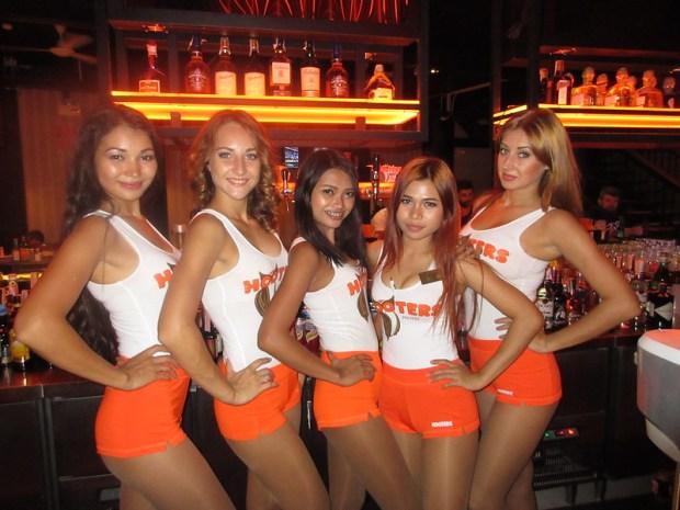 Hooters Pattaya opening night