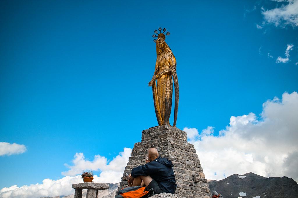 Statua delle Madonna delle Nevi