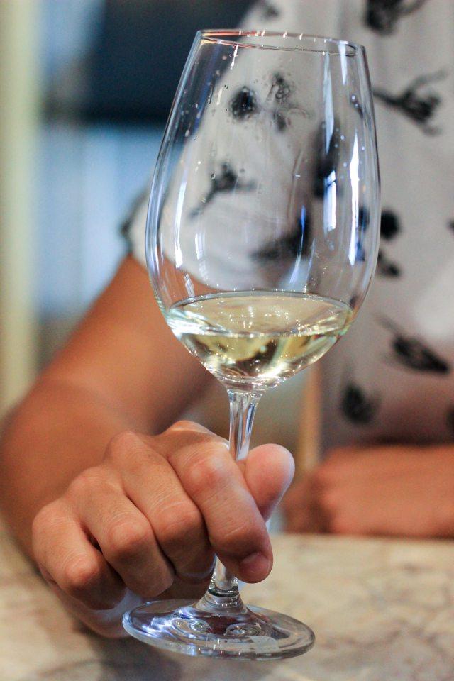 Vin-portugais-tester-vino-verde-vert