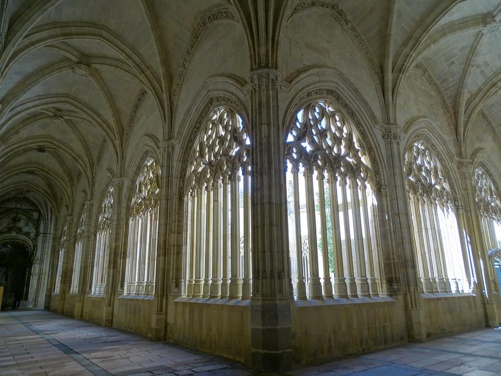 Segovia Claustro de la Catedral de Nuestra Señora de la Asunción y de San Frutos 03