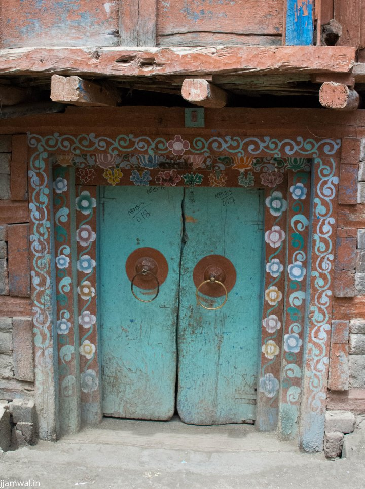 Doorway of a house in Ropa