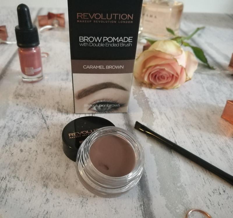 Make up Revolution Brow Pomade