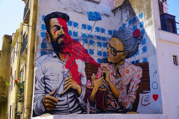 Graffiti in Alfama, Lisbon