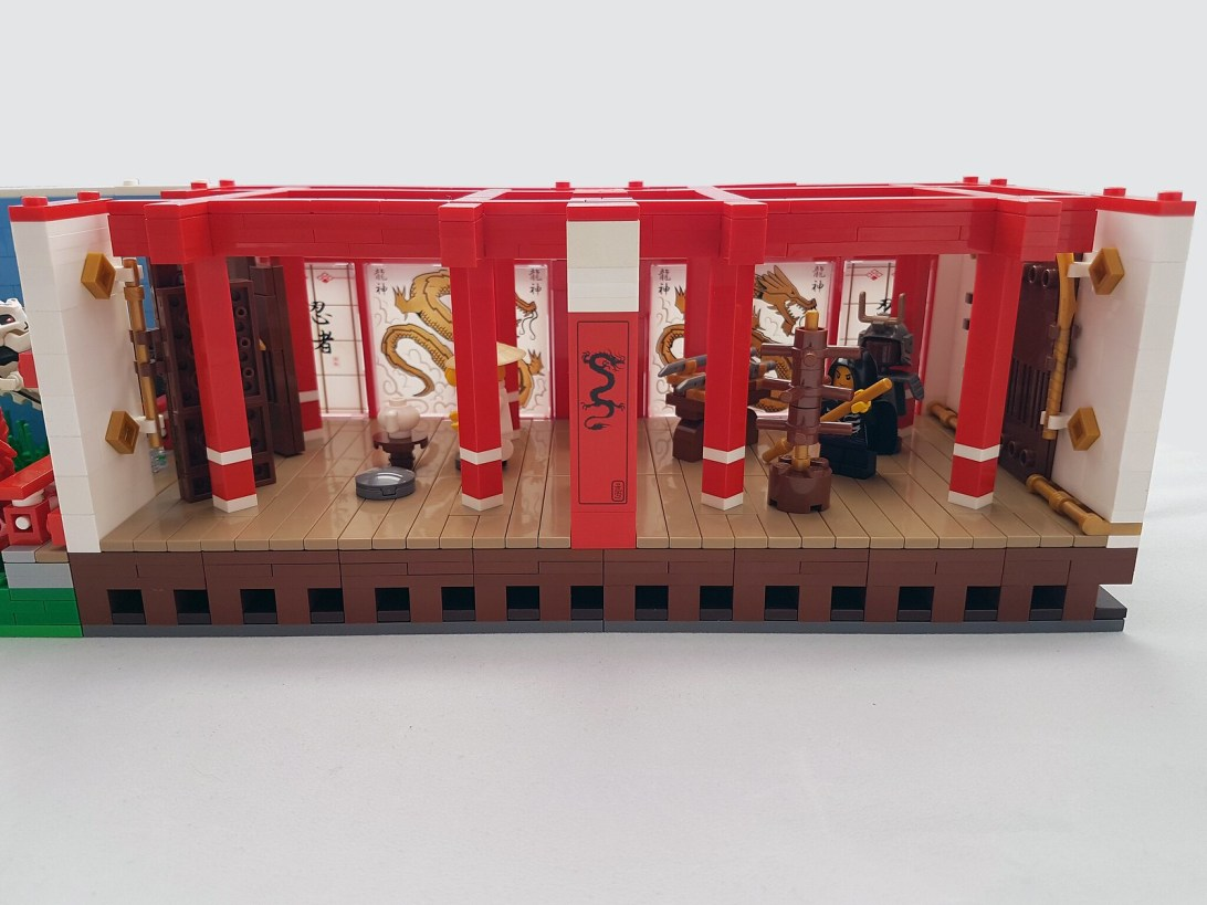 Silly House - Ninjago Room, temple interior
