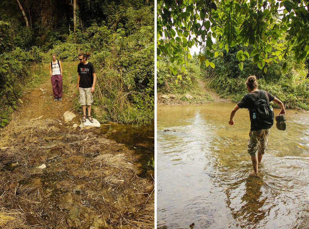 vi krydser mudder og floder på vores trekking tur i Sydøstasien