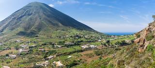 Das Tal zwischen den Bergen