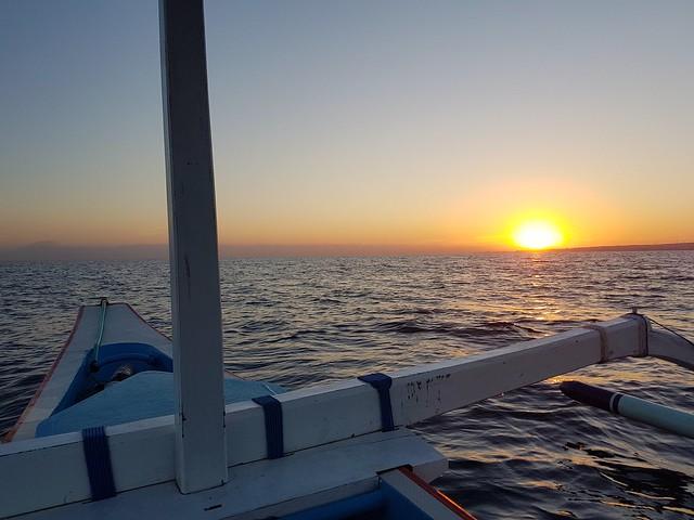 Lovina - En mer au lever du soleil