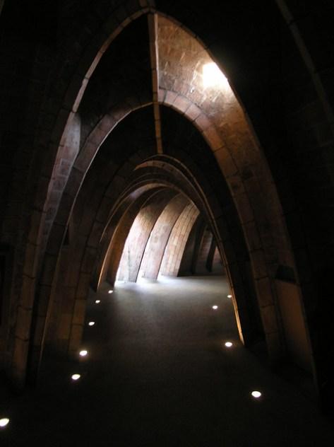Barcelona Pedrales top vaulting2