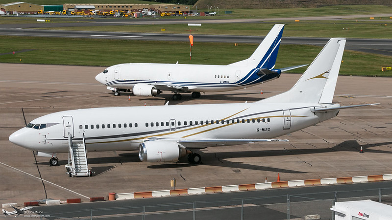 "<p>ELMDON APRON BOEING 737-300 & 400 <br /> Feel free to use this image,but please give credits to: <a href=""http://www.bhxspotter.com"" rel=""nofollow"">www.bhxspotter.com</a></p>"