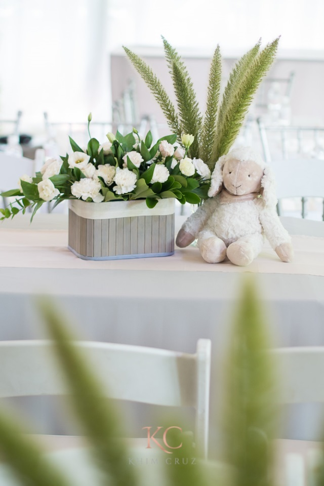rabbit party table