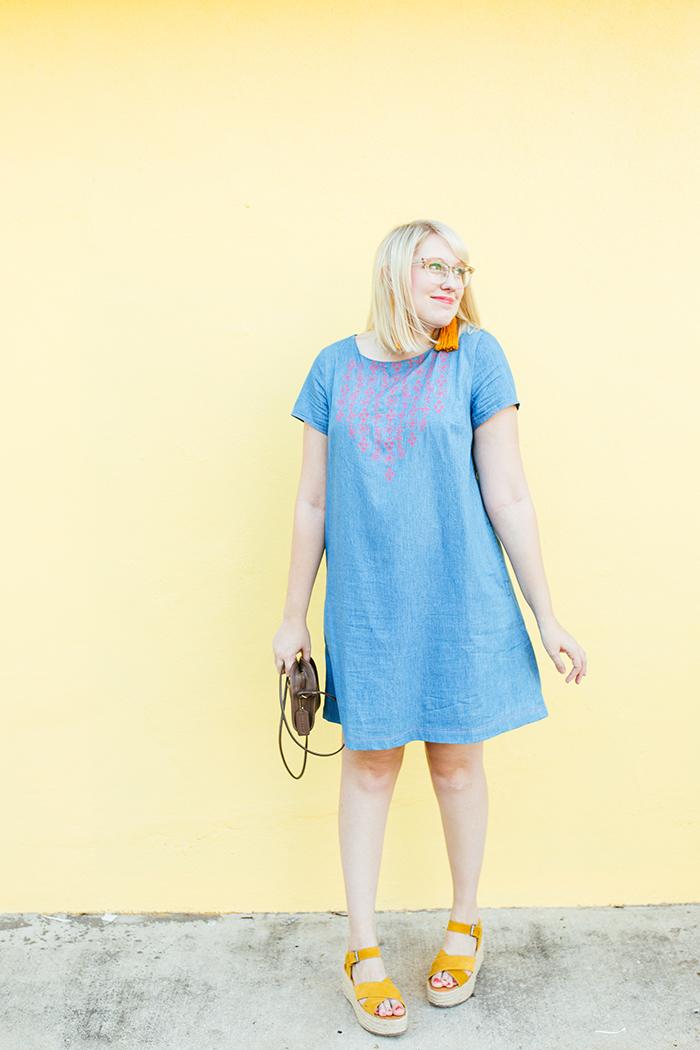 austin style blogger writes like a girl embroidered denim shift dress9