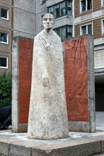 Heinrich-Heine-Denkmal im Heine-Viertel