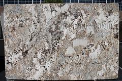 Feldspato Cream Polished Granite slabs for countertop