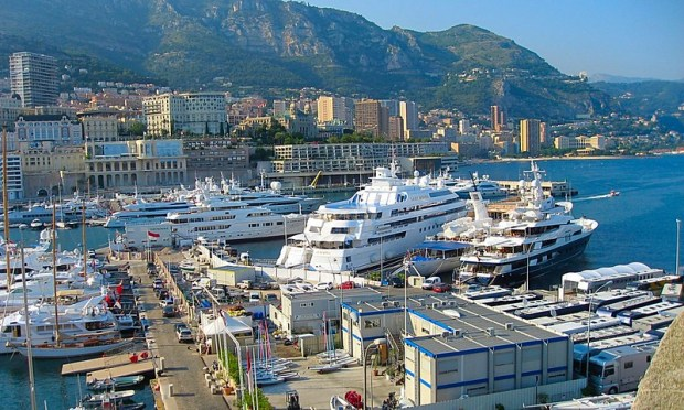 Monte Carlo Crowded Charismatic Wealthy