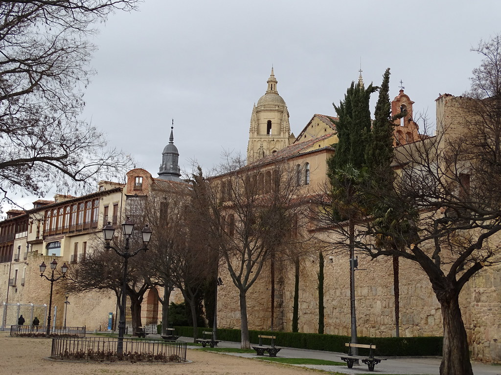 Segovia Paseo del Salon 04