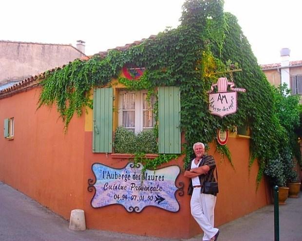 Wealthy Play Sexy St Tropez