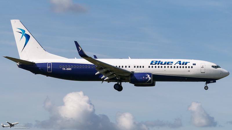 YR-BMD B738 BLUE AIR.Landing rwy33 @bhx