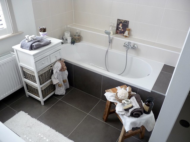 Badkamer kastje krukje