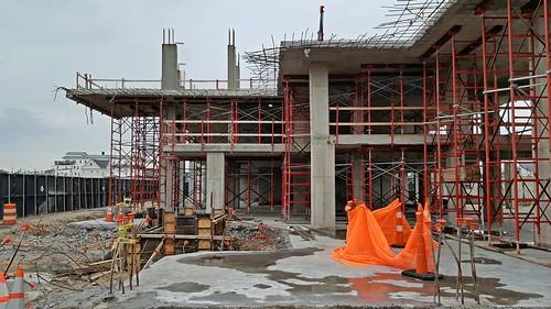 Construction on Esperanza site