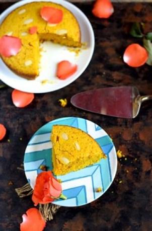 semolina turmeric cake