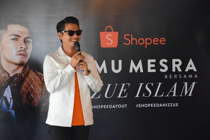 Izzue Islam Meraikan Pelancaran Kanta Lekap Lookalike di Platform Shopee