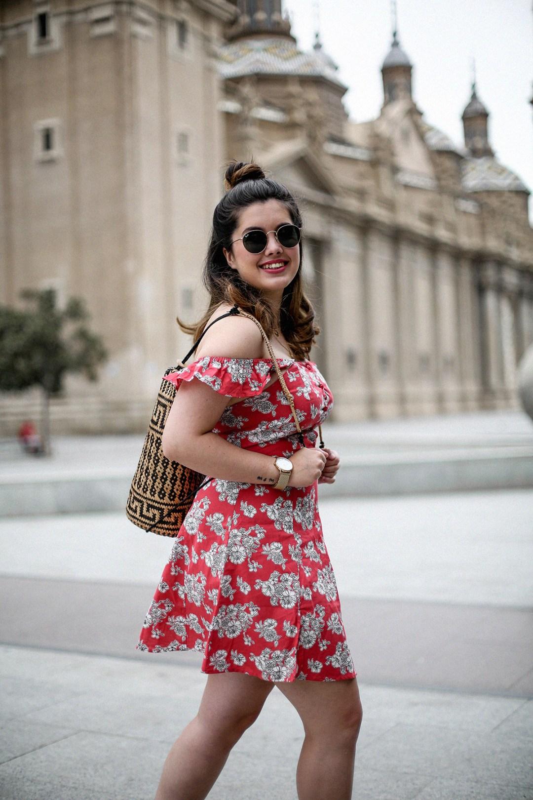 vestido-hombros-al-aire-asos-mochila-ratan-zaragoza-travel4