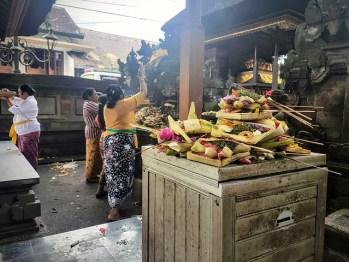 Ubud - Les offrandes, plus tôt