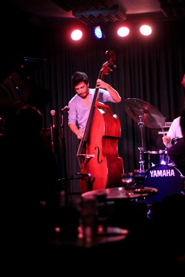 Jazz-hot-clube-ecouter-du-jazz-a-l-ancienne-vrai-club