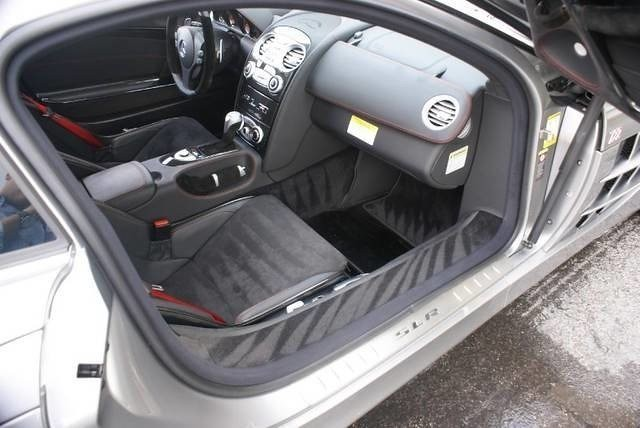 Michael-Jordan-Mercedes-SLR-722-5