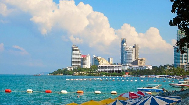 http://fivestarvagabond.com/best-pattaya-beach-thailand-webcam/