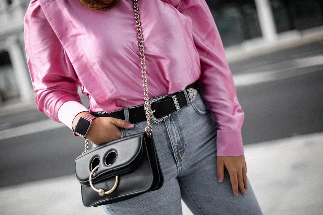 blusa con hombreras rosa asos look back to 80s-14