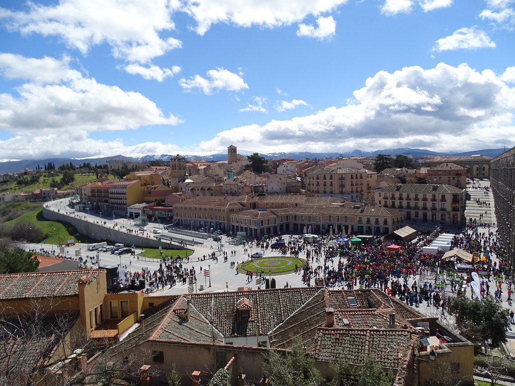 Segovia Plaza del Azoguejo 01