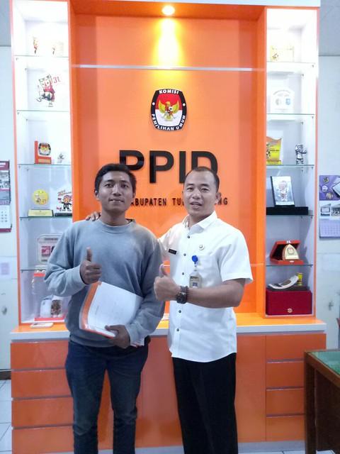 David Hartanto saat menerima kunjungan Perwakilan Komunitas Honda Astra Tulungagung di Kantor KPU Tulungagung untuk meminta informasi terkait Pilkada 2018 (19/9)