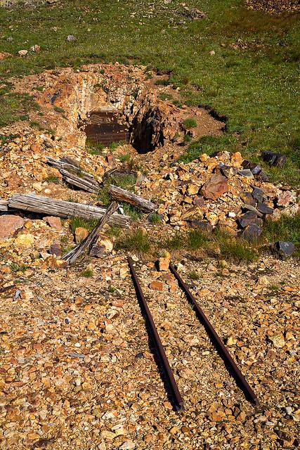 Mining Tracks