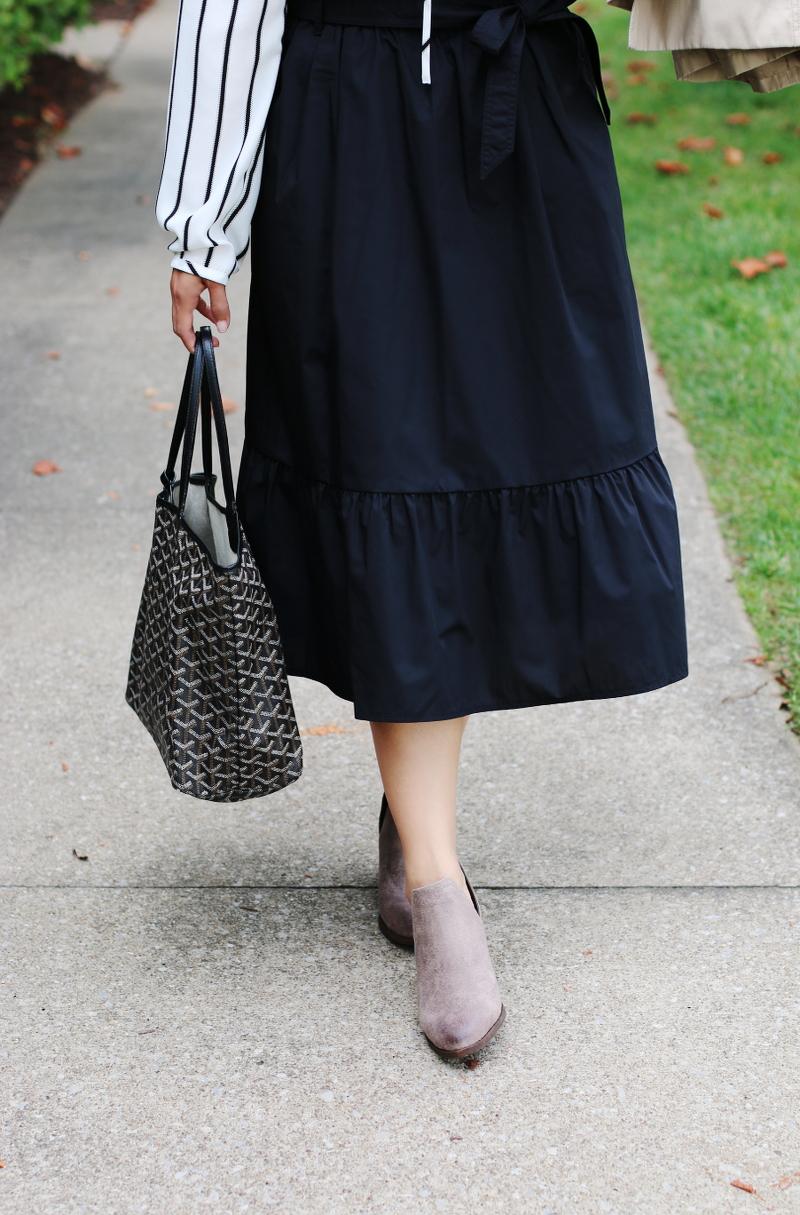 uniqlo-ruffle-skirt-ankle-boots-goyard-tote-2