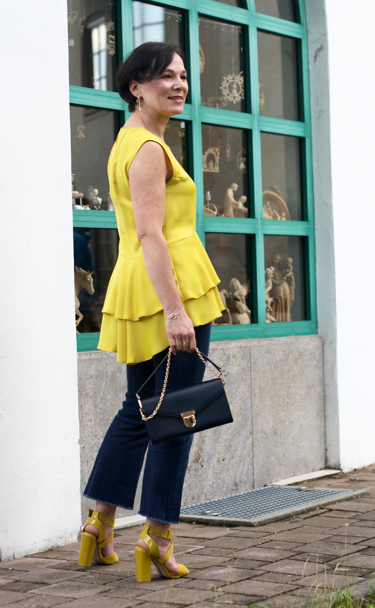 Lemon Yellow Ruffles LadyofStyle