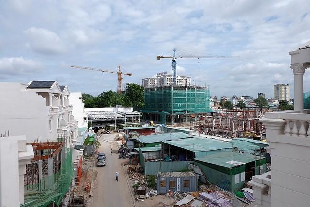 Block đang hoàn thiện Tầng 7 - Góc nhìn từ khu K của CityLand Park Hills