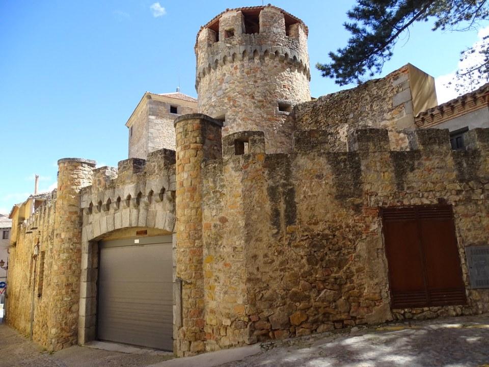Casa de las Cadenas Segovia 02