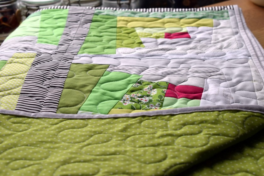 Wonky Log Cabin Quilt (Quilt Now Magazine Sept17)