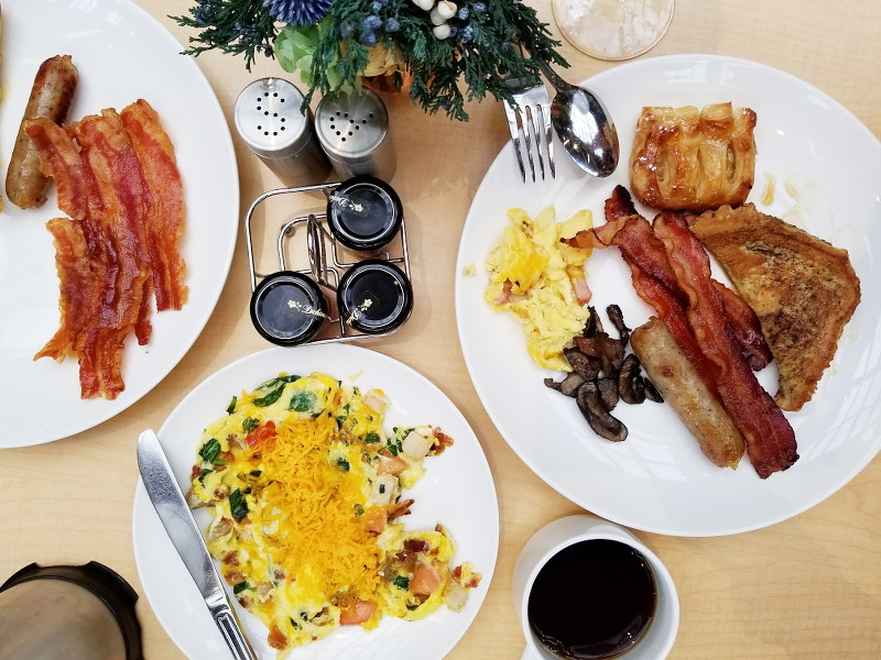 doubletree-hilton-ember-and-vine-breakfast-6