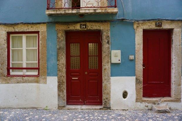 House on Rua São Pedro Mártir in Lisbon