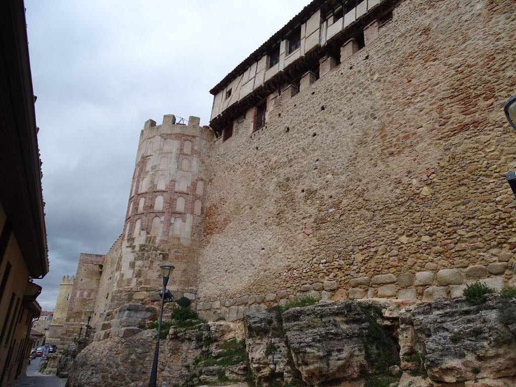 Segovia Muralla Calle Leopoldo Moreno 04