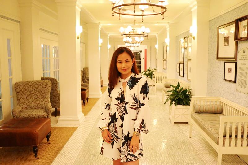 omni-bedford-hotel-white-floral-tunic-11
