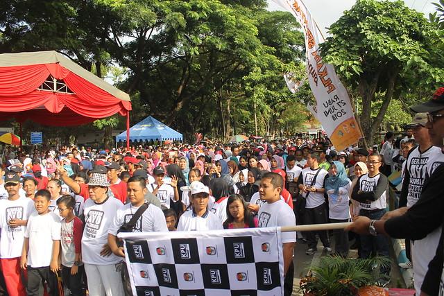 Bupati Tulungagung Syahri Mulyo, SE. M.Si, membuka dan memberangkatkan peserta jalan sehat