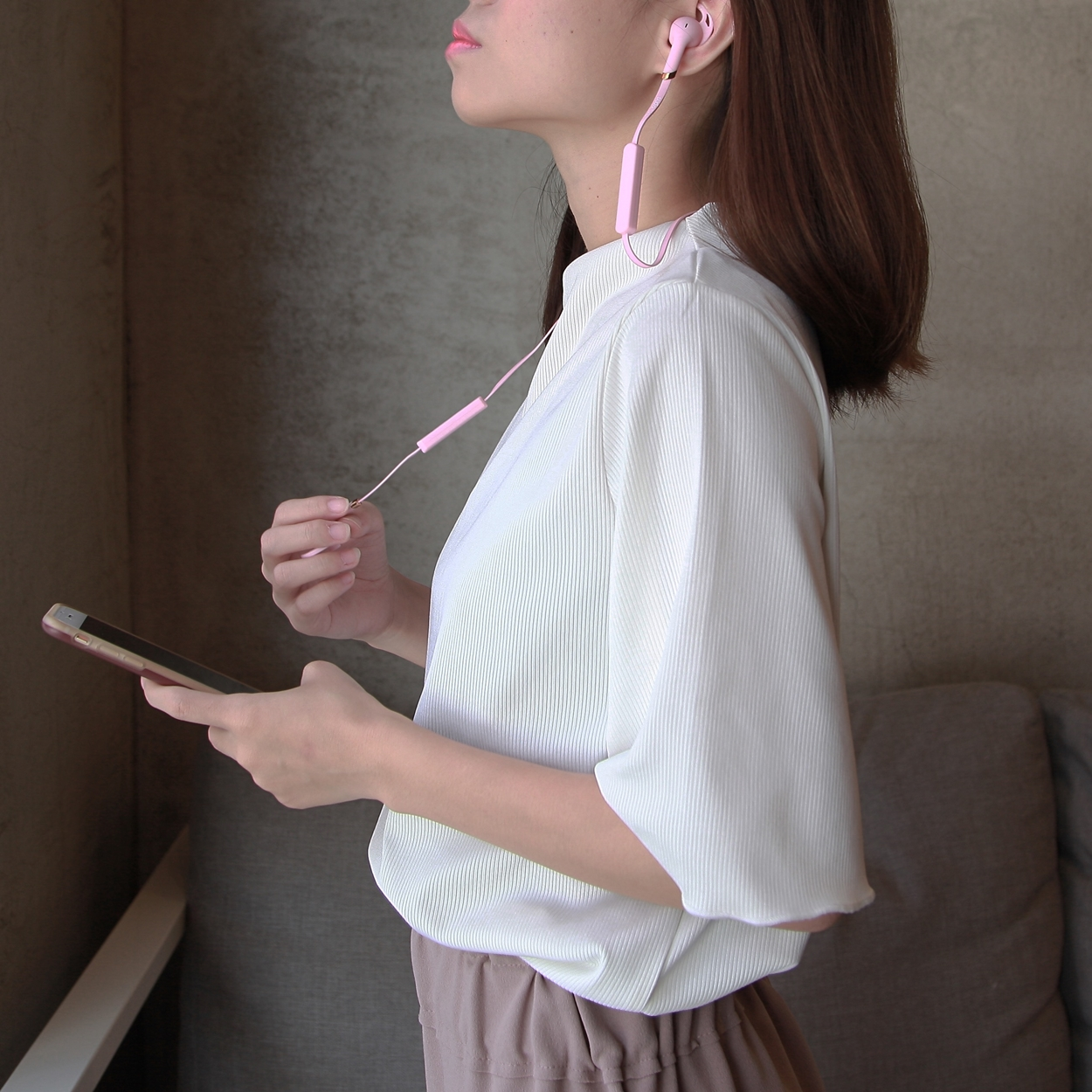 SUDIO TRE 藍芽耳機 by Aimee Tale Valise