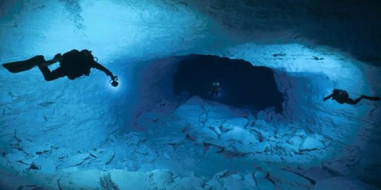 cocklebiddy-cave-diving