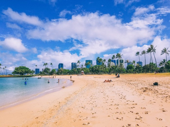 Oahu Beach Guide - A Perogy and Panda Hawaii Travel Guide - Ala Moana Beach