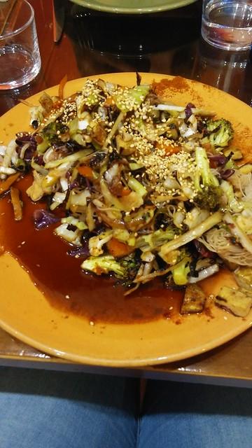 Fideos chinos con verduras en el Páprika